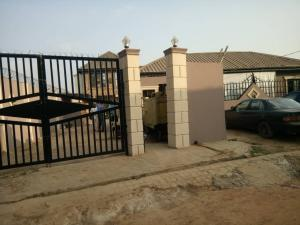 3 bedroom Flat / Apartment for rent 4 ola street, basorun Basorun Ibadan Oyo