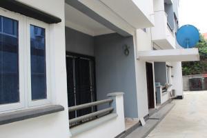 3 bedroom Flat / Apartment for sale Adeniji street OGBA GRA Ogba Lagos