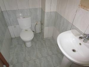 3 bedroom Blocks of Flats House for rent SAFECOURTS Estate ikate  Ikate Lekki Lagos