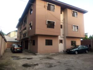 3 bedroom Flat / Apartment for rent By Market square  Ada George Port Harcourt Rivers