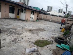 4 bedroom Bungalow for rent pilot cresent off bode Thomas surulere Surulere Surulere Lagos