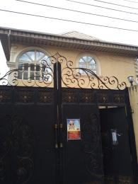 3 bedroom House for rent Akinola Street Fadeyi Shomolu Lagos