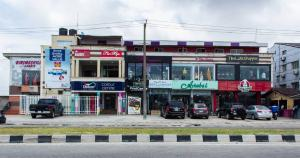 Shop in a Mall Commercial Property for rent Water front plaza/ close to Lekki-Ikoyi Link Bridge Lekki Phase 1 Lekki Lagos