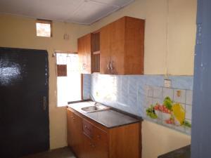 2 bedroom Flat / Apartment for rent ilupeju Coker Road Ilupeju Lagos