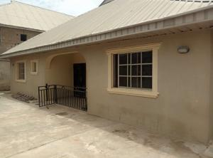 3 bedroom Blocks of Flats House for rent Bankole  Akala Express Ibadan Oyo