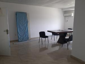 3 bedroom Flat / Apartment for rent Lafiaji chevron Lekki Lagos