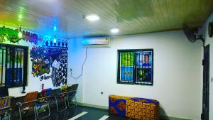 4 bedroom Desk Co working space for rent Herbert Macaulay Way Sabo Yaba Lagos