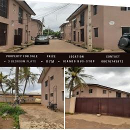 3 bedroom Shared Apartment Flat / Apartment for sale Afolabi street Igando Ikotun/Igando Lagos