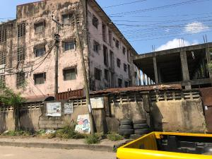 1 bedroom mini flat  Self Contain Flat / Apartment for sale Government quarters, Moore road. Yaba Sabo Yaba Lagos