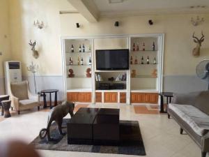 Detached Duplex House for shortlet Admiralty Way Tantilizers Lekki Phase 1 Lekki Lagos