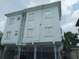 3 bedroom Blocks of Flats House for rent Majaro st Onike Yaba Lagos