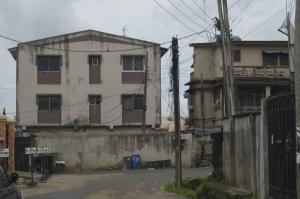 3 bedroom Flat / Apartment for sale Onike Onike Yaba Lagos