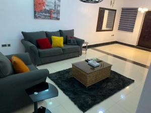 3 bedroom Shared Apartment Flat / Apartment for rent Gbagada Phase 1 Gbagada Lagos