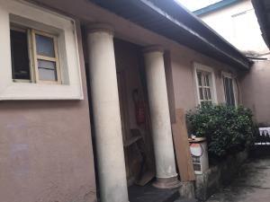 Self Contain Flat / Apartment for rent Bailey  Abule-Ijesha Yaba Lagos