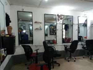 1 bedroom mini flat  Commercial Property
