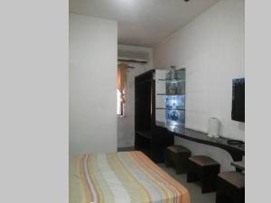 Self Contain Flat / Apartment