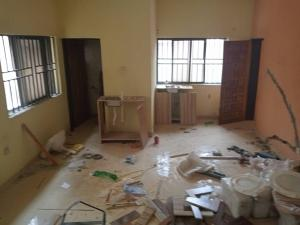 1 bedroom mini flat  Self Contain Flat / Apartment for rent Off road 14,  Lekki Phase 1 Lekki Lagos