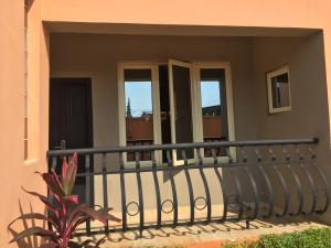 3 bedroom Blocks of Flats House for rent Ologolo  Ologolo Lekki Lagos