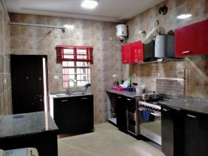 1 bedroom mini flat  Shared Apartment Flat / Apartment for rent Ocean Breeze Ologolo Lekki Lagos