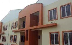 4 bedroom Terraced Duplex House for sale . Yaba Lagos