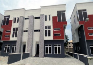 4 bedroom Semi Detached Duplex House for sale In an Estate Near ShopRite Osapa london Lekki Lagos