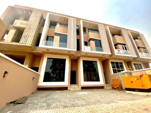 5 bedroom Commercial Property for rent Ikoyi Lagos
