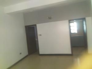 1 bedroom mini flat  Self Contain Flat / Apartment for rent Off palace road vi ONIRU Victoria Island Lagos