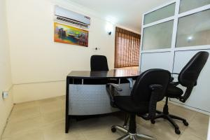 Private Office Co working space for rent 14a, Bayo dejonwo. LSDPC Maryland Estate Maryland Lagos