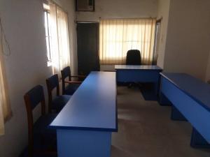 1 bedroom mini flat  Desk Co working space for shortlet C to C plaza Ogui, New layout Enugu Enugu