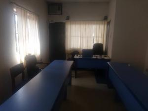 1 bedroom mini flat  Desk Co working space for shortlet C to C plaza Ogui, New layout Enugu Enugu