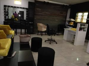 1 bedroom mini flat  Shop Commercial Property for rent Ifako Ifako-gbagada Gbagada Lagos