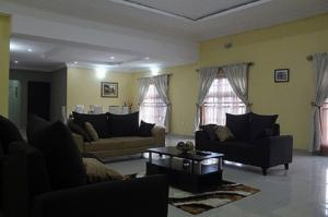 1 bedroom mini flat  Self Contain Flat / Apartment for shortlet Wasimi Maryland estate  Shonibare Estate Maryland Lagos