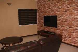 4 bedroom Shared Apartment Flat / Apartment for shortlet Akinola cole Adeniyi Jones Ikeja Lagos