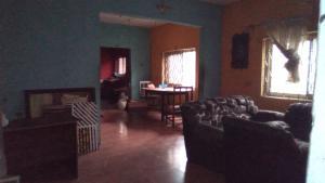 2 bedroom Flat / Apartment for rent Off barikisu Iyede  Onike Yaba Lagos