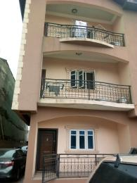 3 bedroom Flat / Apartment for rent Off Finbarrs Road.  Akoka Yaba Lagos