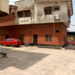 3 bedroom Flat / Apartment for rent Off bajulaiye road Shomolu Shomolu Lagos