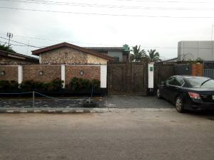 3 bedroom Blocks of Flats House for rent . Bode Thomas Surulere Lagos