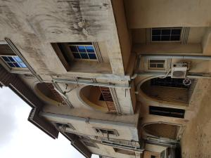 3 bedroom Shared Apartment Flat / Apartment for rent wole Arinwole/Frace Avenue  Bucknor Isolo Lagos