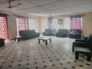 4 bedroom Flat / Apartment for rent Bajulaiye Road Akoka Yaba Lagos