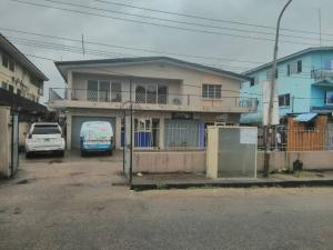 4 bedroom Flat / Apartment for rent Bajulaiye Road Akoka Yaba Lagos