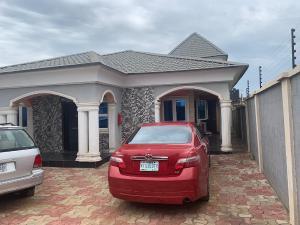4 bedroom Detached Bungalow House for sale Kasunmu estate  Akala Express Ibadan Oyo