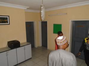 3 bedroom Blocks of Flats House for rent mende,close Mende Maryland Lagos