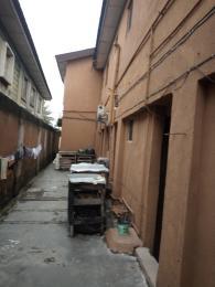1 bedroom mini flat  Flat / Apartment for rent off cloe street , lawanson Lawanson Surulere Lagos