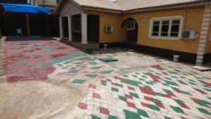 2 bedroom Blocks of Flats House for rent Adetokun, Ologuneru Road  Eleyele Ibadan Oyo