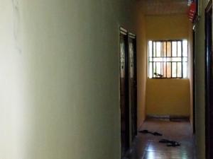 1 bedroom mini flat  Flat / Apartment for rent Off Ibgogo road Choba Choba Port Harcourt Rivers - 6