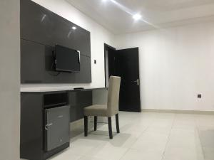 3 bedroom Flat / Apartment for shortlet 5th Avenue Banana Island Ikoyi Lagos