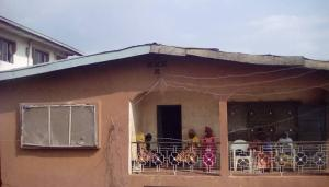 10 bedroom House for sale No 107,Polytechnic road. Opp. Oluyole Cheshire Home Oluyole Estate Ibadan Oyo