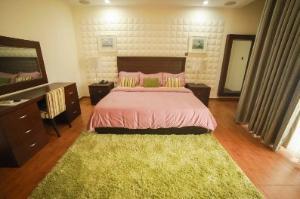 4 bedroom Flat / Apartment for shortlet Off Admiralty Road Lekki Phase 1 Lekki Lagos