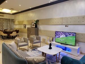 3 bedroom Flat / Apartment for shortlet 14b Milverton Road,  off Alexander Road, Ikoyi, Lagos. Ikoyi S.W Ikoyi Lagos