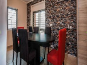 3 bedroom Flat / Apartment for shortlet Olaletan Street off Onigefon Road off Palace way ONIRU Victoria Island Lagos